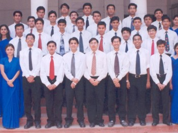 2003Jun01 – IT Batch 2004 Group